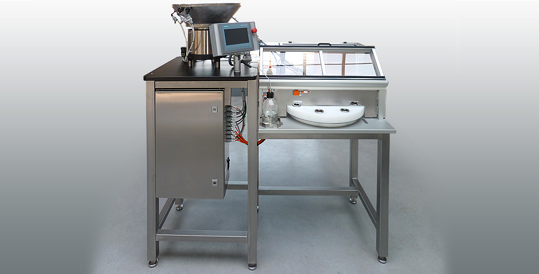 Machine de dosage automatique de Bronopol et bouchonnage de flacons